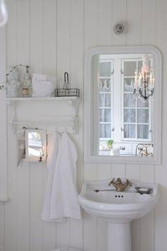 Beautiful all white bathroom