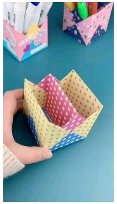 Diy Crafts Hacks, Diy Crafts For Gifts, Diy Arts And Crafts, Creative Crafts, Diy Projects, Paper Crafts Origami, Paper Crafts For Kids, Diy Paper, Cardboard Crafts