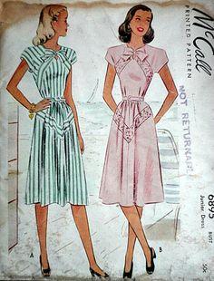 Vintage junior taille 13 Buste 31 Taille 25 1/2 Hanche 7 sous taille 34  droit dauteur 1947  Condition : non circoncis, complet, notice