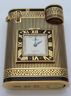 Rare Art Deco 18-carat gold, Cartier watch lighter, handcrafted in France, ca.1930s. Features 15 built-in jewels with fine enamel details