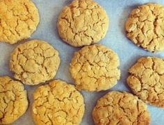 Sugar-free HobNobs: These delicious oaty golden delights have had an IQS makeover. This recipe for HobNobs replaces the sugar for stevia and rice malt syrup. Stevia Recipes, Low Sugar Recipes, No Sugar Foods, Sweet Recipes, Sugar Sugar, Diabetic Recipes, Healthy Recipes, Skinny Recipes, Clean Recipes