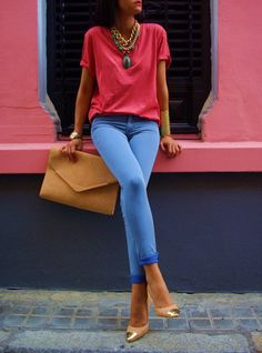 Colorful casual t-shirt w/ statement necklace & bright blue jeans