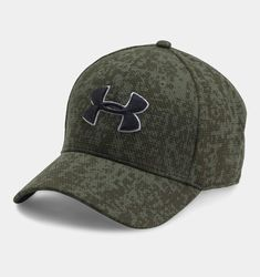 Under Armour Men s UA Printed Blitzing Stretch Fit Cap Fitted Caps 64f666c89f63