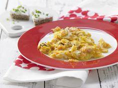 Möhren-Rührei mit Brotherzen - Kinderfrühstück (1–6 Jahre) | Kalorien: 262 Kcal - Zeit: 15 Min. | http://eatsmarter.de/rezepte/moehren-ruehrei-brotherzen