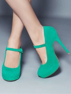 Mary Jane Heels in a beautiful vibrant Mint Green! Love ...Love these!!! *WANT*
