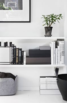 Living room #interior #white #clean #house #home #inspiration #decoration #deco #scandinavian #swedish #design #budget #love