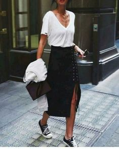 Minimalist fashion style to copy this season (70)