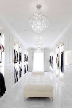 Walking Closet, Walk In Closet Design, Closet Designs, Luxury Rooms, Luxurious Bedrooms, Organizing Walk In Closet, Wardrobe Room, White Closet, Big Bedrooms