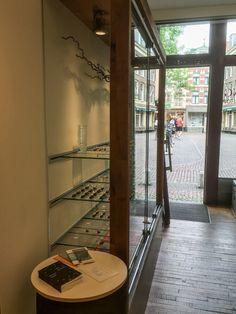 Het is overal, dus ook tussen de kroonjuwelen  #Utrecht #hetisoveral #poezie #minkemaat #palmslag #inhetwild #nobilia