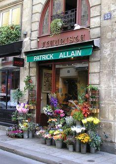 Patrick Allain Fleuriste | Paris -- it's on Isle St. Louis - one of the most charming parts of Paris