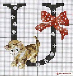 lo spazio di lilla: Alfabeto a punto croce con i gattini