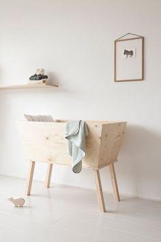 Little wood bassinet | Pinterest: asherami ↞∙∙∙∙↠