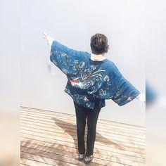 No sé qué tienen los kimonos pero me encantan.  os pasa también? -- Kimonos are my thing. I don't know what they have but I love them.  Do you feel the same?     #Kimono #ファッション #murcia #女の子 #blogger #ootd #outfit #instablogger #amerindiascloset #spanishblogger#blogdemoda#bloggermurcia#bloguera#wiw#wiwt#todaylook#whatiworetoday#blue#bluejacket #bloggerssinfronteras #thesocialgirls #modafashion #modablogueira