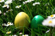 Dyeing Easter Eggs - Homemade Easter Eggs - Easter Crafts