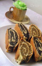 Arome si culori : Baigli cu mac Romanian Desserts, Romanian Food, Sweet Recipes, Cake Recipes, Dessert Recipes, Green Tea Recipes, Pastry And Bakery, Pastry Cake, Good Food