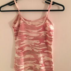 Pink camo tank top Comfy stretchy but does fit true to size, great for the summer- looks good with many different things Tops Tank Tops