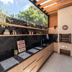 Área gourmet rústica: 80 inspirações para fazer um projeto aconchegante Decor, Outdoor Decor, Earth Homes, House Design, House, House Exterior, Gourmet Garden, New Homes, Outdoor Living Room