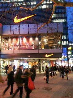 Marenia Gloria: Berlin - Trip Ku'damm, Kurfürstendamm, Nike, Nike-town