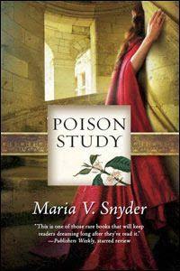 """Poison (Study) - Maria V Snyder.    En español el libro se tradujo con el nombre de """"Dulce Veneno"""", el cual como opinión personal me parece cursi para una historia que tiene tanta acción y tan poco romance."""