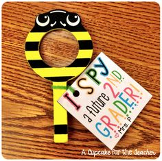 I SPY… an EOY gift tag idea! {and a freebie!}