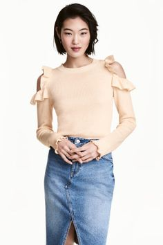 Джемпер с открытыми плечами Модель