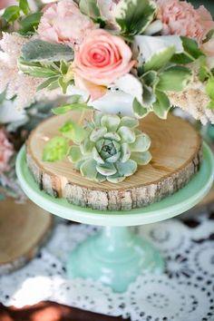 wood disc + cake stand