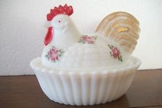 WESTMORELAND PINK FLOWERED ROOSTER ON A NEST-HANDPAINTED- PERFECT!