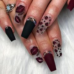 Best Nail Trends for Cute Fall Manicure Stylish Maroon Nail Design for Fall with Accent black Matte NailStylish Maroon Nail Design for Fall with Accent black Matte Nail Maroon Nail Designs, Fall Nail Art Designs, Dope Nails, Fun Nails, Coffen Nails, Stiletto Nails, Gorgeous Nails, Pretty Nails, Amazing Nails