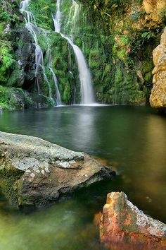 A favourite for so many reasons 😍😉 DuToits Kloof mountains in the Western Cape, South Africa. Many secret pools and falls offer magic to all who visit. Beautiful Waterfalls, Beautiful Landscapes, Places To See, Places To Travel, Mauritius, Provinces Of South Africa, Namibia, Safari, Cape Town South Africa