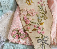 antique_ribbonwork1120_2016100103094930f.jpg 630×540 pixels