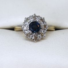💕New Arrival!💕 This stunning, vintage 18ct Gold Sapphire & Diamond Cluster Ring is available now! 💕