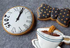 Galletas decoradas: reloj 2015, pajarita y chocolate con churros. Happy new year cookies
