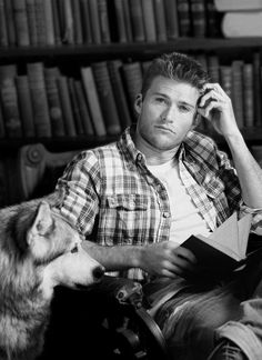 Scott Eastwood reading a book, it's sexy upon sexy