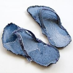 Step by step photo instructions how to recycle your favorite jeans in to an indoor slipper flip flop...absolutely free Tutorial Girl Style