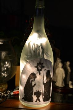 wine bottle with lights and nativity scene Recycled Glass Bottles, Glass Bottle Crafts, Painted Wine Bottles, Lighted Wine Bottles, Bottle Lights, Wine Glass, Bottle Lamps, Glass Art, Wine Jug Crafts