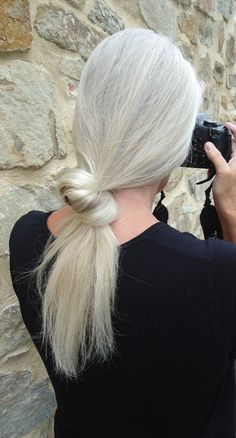 lovely knotted ponytail