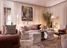 The inaugural Kips Bay Decorator Show House Dallas is now open through October 25 in the historic Woodland Estates neighborhood of Old Preston Hollow, where 27 top interior designers and architects collaborated to reimagine every inch of a grand manor's interiors and exteriors. #home #interiordesign #interiors #decor #architecture #homeinspo #showcase #homedecor #elledecor Gracie Wallpaper, Upstairs Bathrooms, Entry Hall, Elle Decor, Top Interior Designers, Architectural Digest, House Front, Home Remodeling, Interior And Exterior