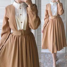 Modest Fashion Hijab, Muslim Fashion, Modest Outfits, Fashion Dresses, Hijab Fashionista, Hijab Fashion Inspiration, Girls Fashion Clothes, Mode Vintage, Stylish Dresses