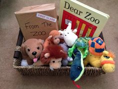 Dear zoo story basket for babies and toddlers Preschool Literacy, Preschool Books, Early Literacy, Literacy Activities, Kindergarten, Literacy Bags, Literacy Stations, Preschool Ideas, Animal Activities