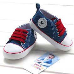 Buty dla dzieci to trudny wybór ale jak się patrzy na te małe stopki to się człowiek rozczula :DD
