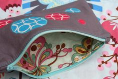 how to sew a zippered pouch | have never done any applique or sewn in a zipper this tutorial would ...