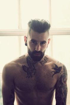 5 Sexy Bearded Models You Want to Follow