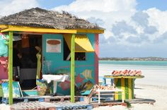 7 Amazing Things To Do In Turks and Caicos Bright turquoise water, sweet sunshine, and vibrant local culture are some of the bestl parts about a trip to the Turks and Caicos. Looking for ways to fi…