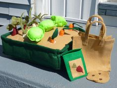 Felt Vegetable Garden Farmer's Market Playset withTote Bag, Seed Packet and Seeds Included