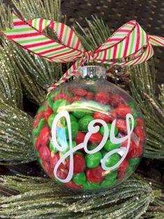 Creative diy farmhouse ornaments for christmas 38 Cricut Christmas Ideas, Christmas Favors, Personalized Christmas Ornaments, Christmas Projects, Christmas Tree Ornaments, Holiday Crafts, Christmas Decorations, Reindeer Ornaments, Glitter Ornaments