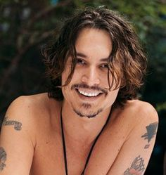 Johnny Depp smile oh the things I would do to this man.