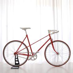 Ballroom - Vintage ladies bike, exceptional design - Moosach Bikes 👍 👌 🔥 na Vintage Ladies Bike, Velo Vintage, Vintage Bicycles, Velo Design, Bicycle Design, Bmx, Dutch Bicycle, Urban Bike, Speed Bike