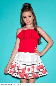 Lila Baby e Cia Moda Infantil Young Fashion, Teen Fashion, Fashion Outfits, Moda Kids, Kids Outfits, Cute Outfits, Cute Girl Dresses, Cute Young Girl, Kids Frocks