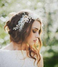 Beautiful Bride La Boheme Handmade Wedding Adornments love this hair. Half up half down with flower headpiece and a veil. Boho Wedding, Dream Wedding, Wedding Day, Trendy Wedding, Handmade Wedding, Wedding Blog, Wedding Vintage, Rustic Wedding, Wedding Bride