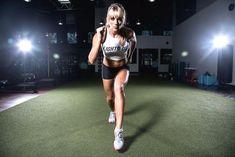 Performance Crop- Wh #asics #asicsmen #asicsman #running #runningshoes #runningmen #menfitness